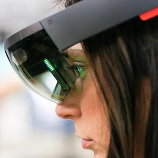 100 Ribu Kacamata HoloLens Dibeli Angkatan Darat AS