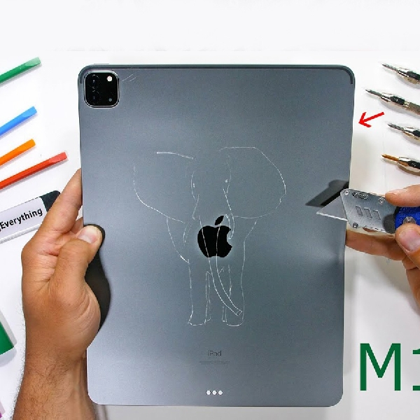 Kena Siksaan JerryRigEverything, iPad Pro 12.9 Mengenaskan