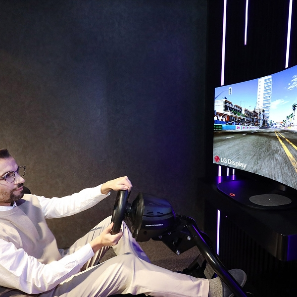 LG Pamer Layar CSO Tekuk Pertama di Dunia dalam CES 2021