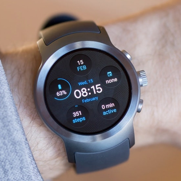 LG Patenkan Smartwatch dengan Kamera Modular