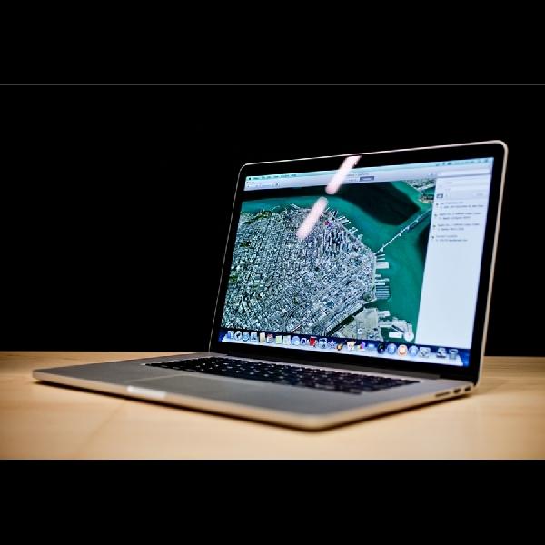 Duo MacBook Anyar Apple Hadir Super Ramping