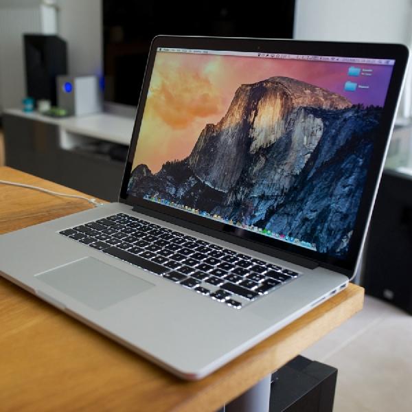 Kali Pertama, MacBook Pro Bakal Usung Layar 15 Inci