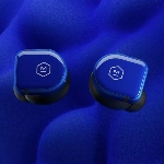 Master and Dynamic MW08 True Wireless Earbuds Meluncur