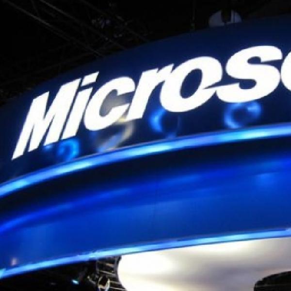 Petinggi Microsoft tak Sengaja Bocorkan Surface Phone