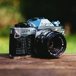 Gemar Bikin Vlog? Ini 5 Kamera Mirrorless yang Bisa Diandalkan