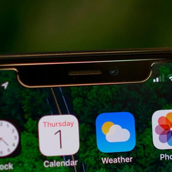 "Serupa iPhone X, Tiga Smartphone Ini Juga Miliki ""Poni"""