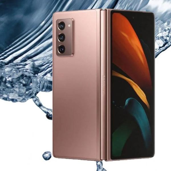 Samsung Bakal Usung Ponsel Lipat Tahan Air?