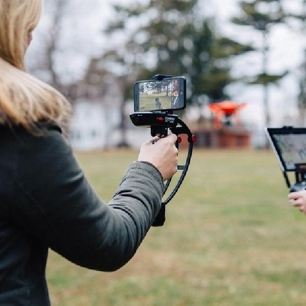 Steadicam Volt, Stabilizer Pengubah Smartphone Jadi Kamera Video Profesional