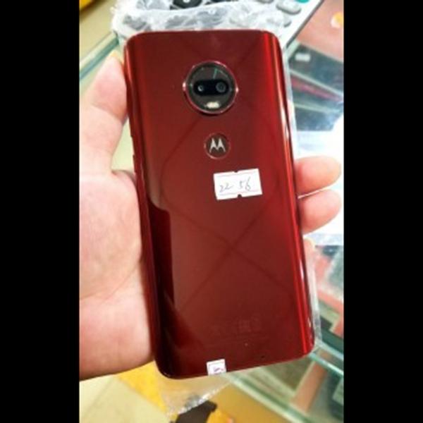 Motorola Bakal Punya Notch Waterdrop