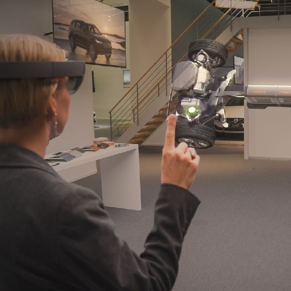 Volvo dan Microsoft Padukan Teknologi Dalam Showroom Virtual Reality