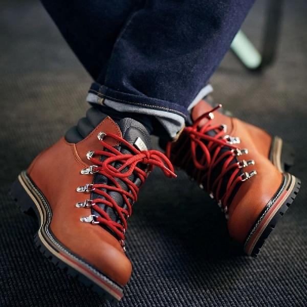 5 Cara Bergaya Memakai Boots Dengan Jeans