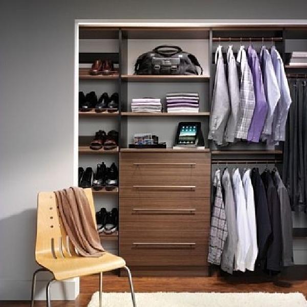4 Langkah Untuk Membersihkan Kekacauan di Lemari Pakaian Anda