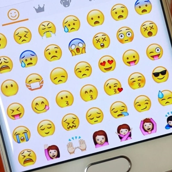 Ini Cara Menambahkan Emoji Terbaru Pada iPhone dan Android
