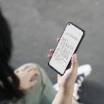 Menggunakan Fitur Eye Care Oppo Untuk Membaca di Smartphone
