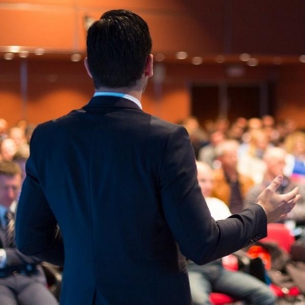 4 Tips Untuk Meningkatkan Skill Public Speaking Anda!