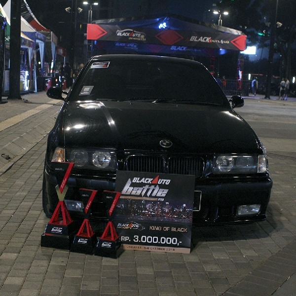BMW E36 Japanese Version Sabet King of Black di BlackAuto Battle 2019 Jakarta