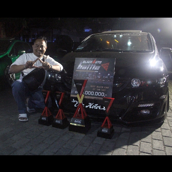 Odyssey Hitam Sabet Best Black Car di BlackAuto Battle Warm Up 2019