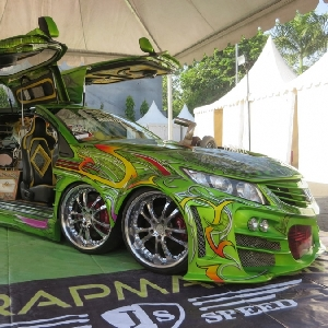 Honda Brio 8 Roda Raih Gelar The Champ BlackAuto Battle 2017 Surabaya