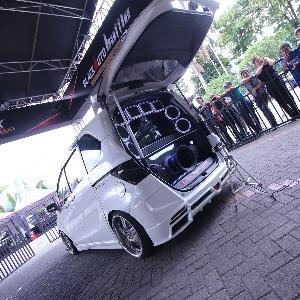 Ramaikan Keseruan Tanpa Batas dalam Booth BlackAuto Battle 2018 Surabaya
