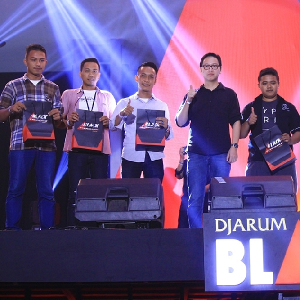 Pemenang What Car Final BlackAuto Battle 2015