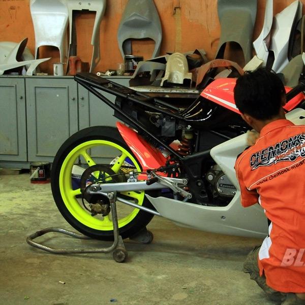 Chemonk Modified Selesaikan Modifikasi Kawasaki Ninja RR150 Racing