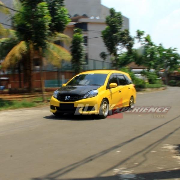 Modifikasi Honda Mobilio Street Racing Stage 2