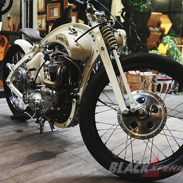 Modifikasi Triumph Bonneville T140 Broadtracker Elegant Nan Superior