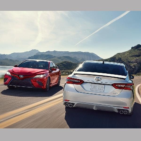 Dua Toyota Hybrid Terbaru Jadi Hadiah Golf Hole In One