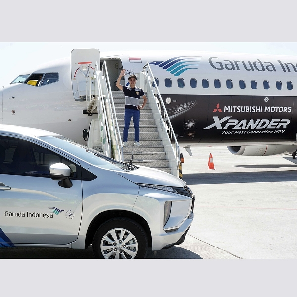 Mitsubishi XPANDER Terbang Bersama Pesawat Garuda Indonesia