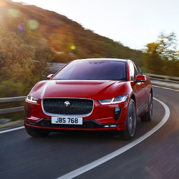 Jaguar Menangkan Gelar Car of the Year 2019 Melalui I-PACE