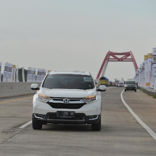 New Honda CR-V Lintasi Tol Trans Jawa Yang Baru Diresmikan