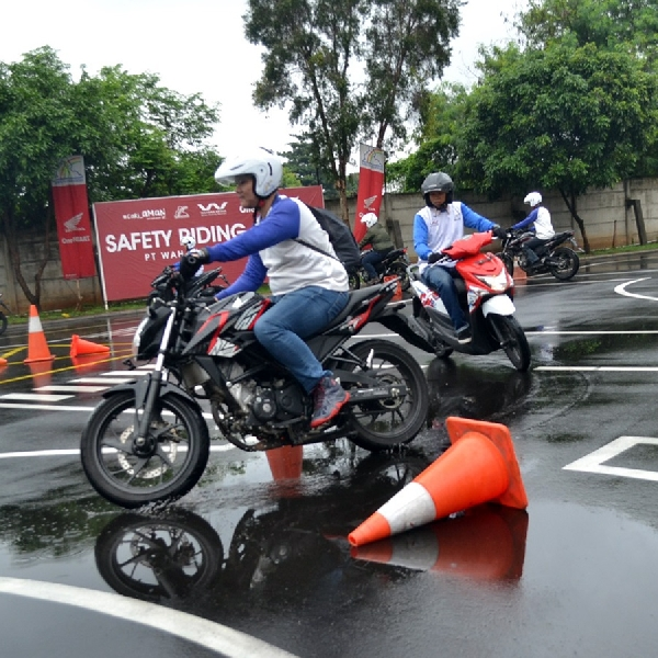 Instruktur Safety Riding Wahana Menang Kompetisi di Jepang