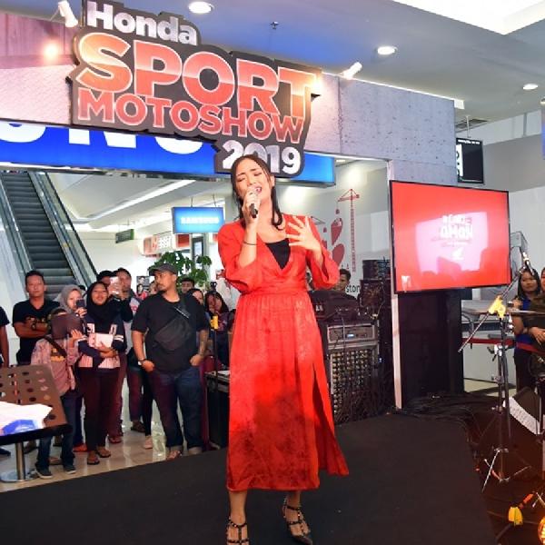 Bertabur Bintang Di Pameran Motor Sport Honda