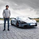 Carlos Sainz Jr Kendarai McLaren 720S Buat Sehari-Hari