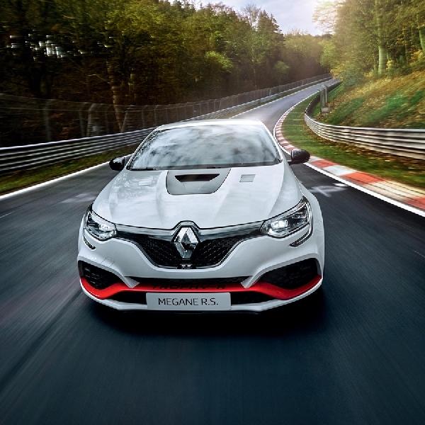 Renault Megane R.S. Trophy-R Pecahkan Rekor Lap Nurburgring