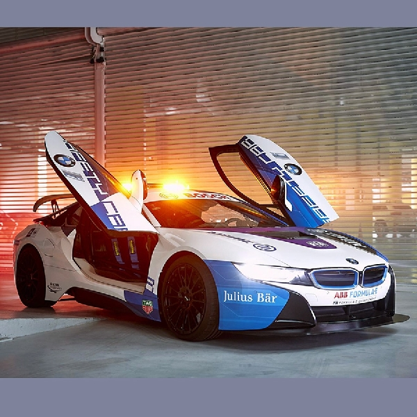 Safety Car BMW i8 Formula E Punya Corak Baru