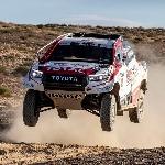 Nyetir Toyota Hilux Dakar Jadi Hobi Baru Fernando Alonso