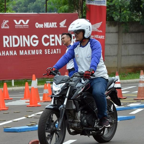 Wahana Honda Edukasi Wartawan Dalam Berkendara