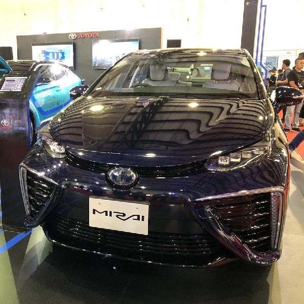 Toyota Bawa 4 Model Mobil Listrik DI IEMS 219