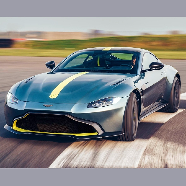 Hore, Aston Martin Vantage Sekarang Pakai Gigi Manual