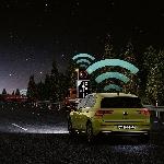 Teknologi Car2X New Golf Volkswagen Diakui Mampu Cegah Kecelakaan