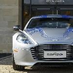 James Bond Kemudikan Mobil Listrik Aston Martin Ramah Lingkungan