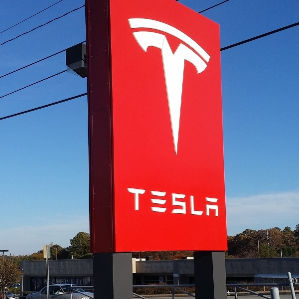 Tesla dan Sejuta Energi Terbarukan yang Dimiliki