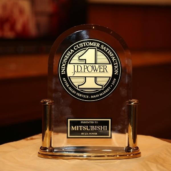 Mitsubishi Raih Penghargaan CSI