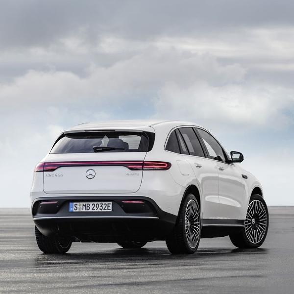 Daimler Stop Produksi Mobil Pembakaran Internal di 2025