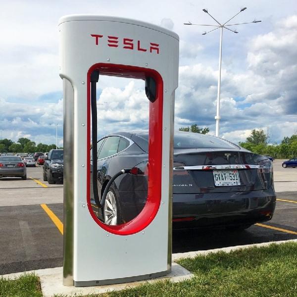 Supercharger V3 Tesla Segera Hadir