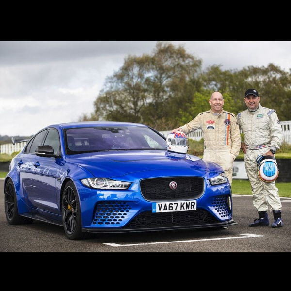 Jaguar XE SV Project 8 Diujicobakan Pembalap Le Mans Davy Jones