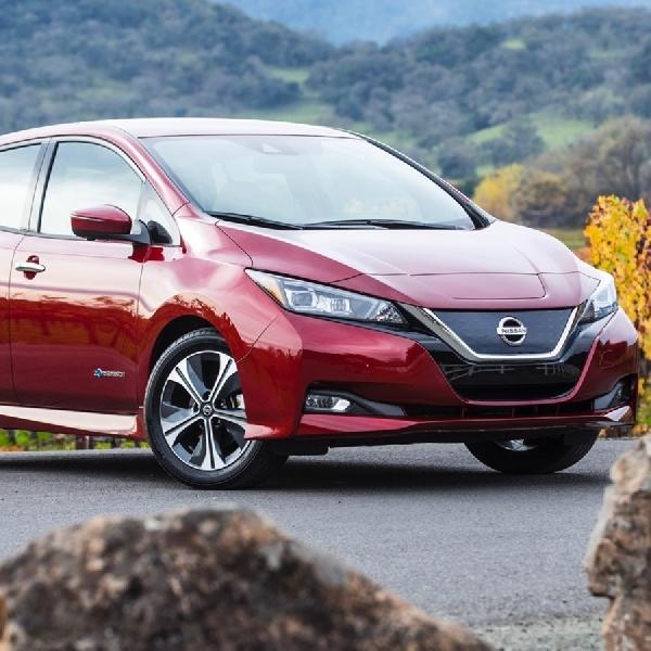 Nissan Pakai Mobil Listrik Leaf Buat Tenaga Ke Kantornya