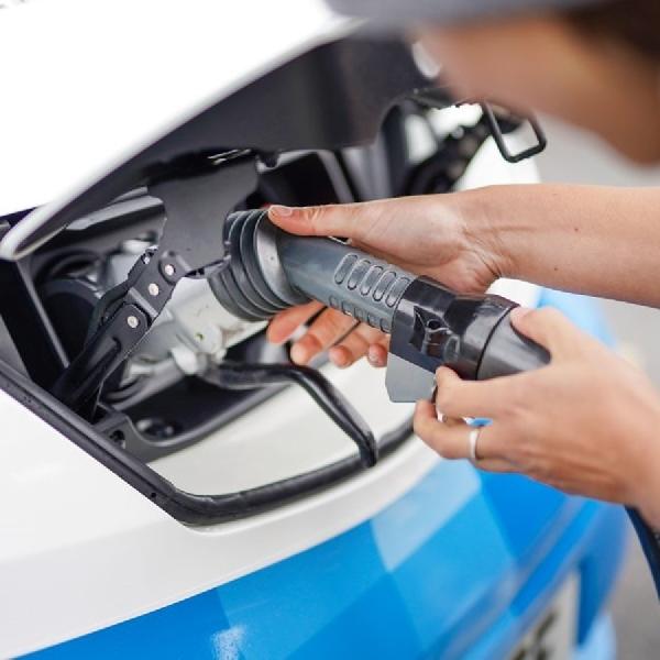Nissan Ubah Van Listriknya Menjadi Truk Es Krim