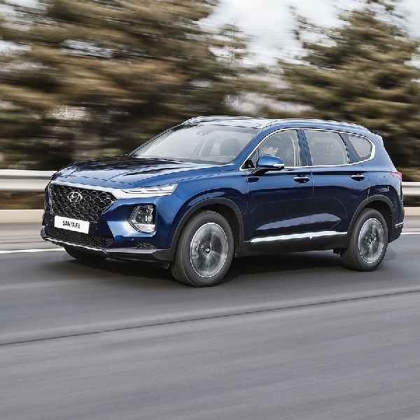All new Santa Fe Raih Penghargaan Redesign of the Year